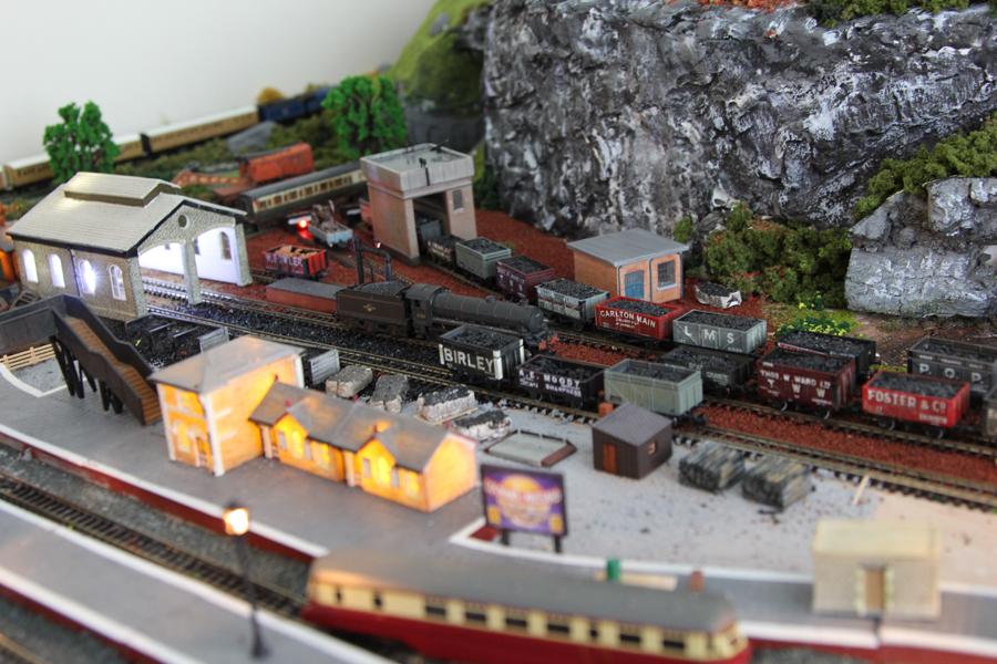 n scale model train