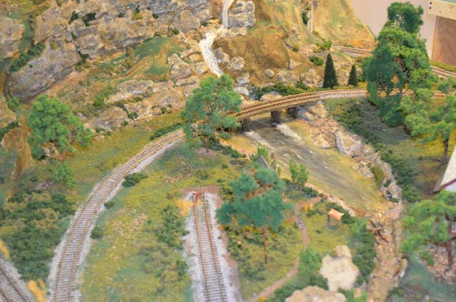 model_railroad_bridge