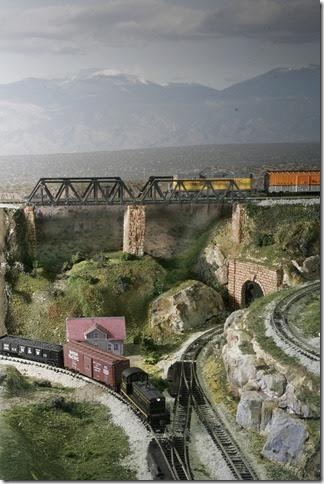 4-model-railroad-bridge