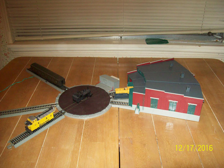 1-model-railroad-turntable