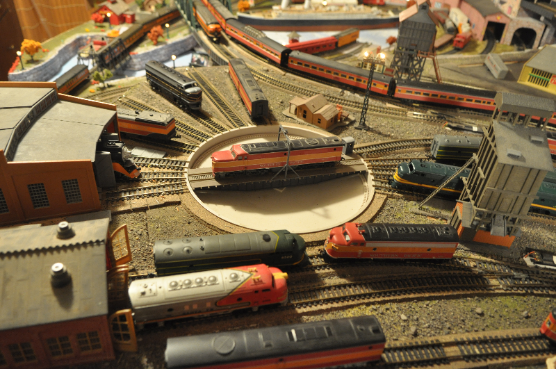 1-model-railroad-turntable