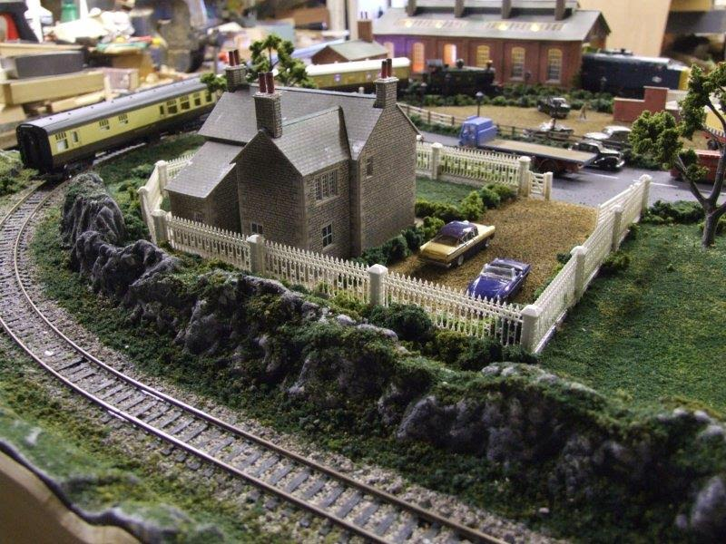 12-model-railroad-layout