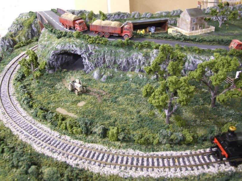 3-model-railroad-layout