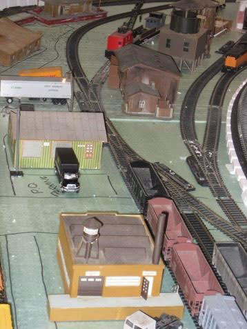Keith's 12x16 HO layout - Model railroad layouts plansModel