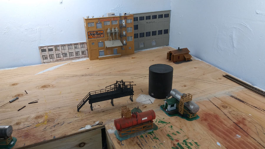 how to clean model railroad track