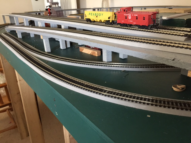 O gauge double deck layout