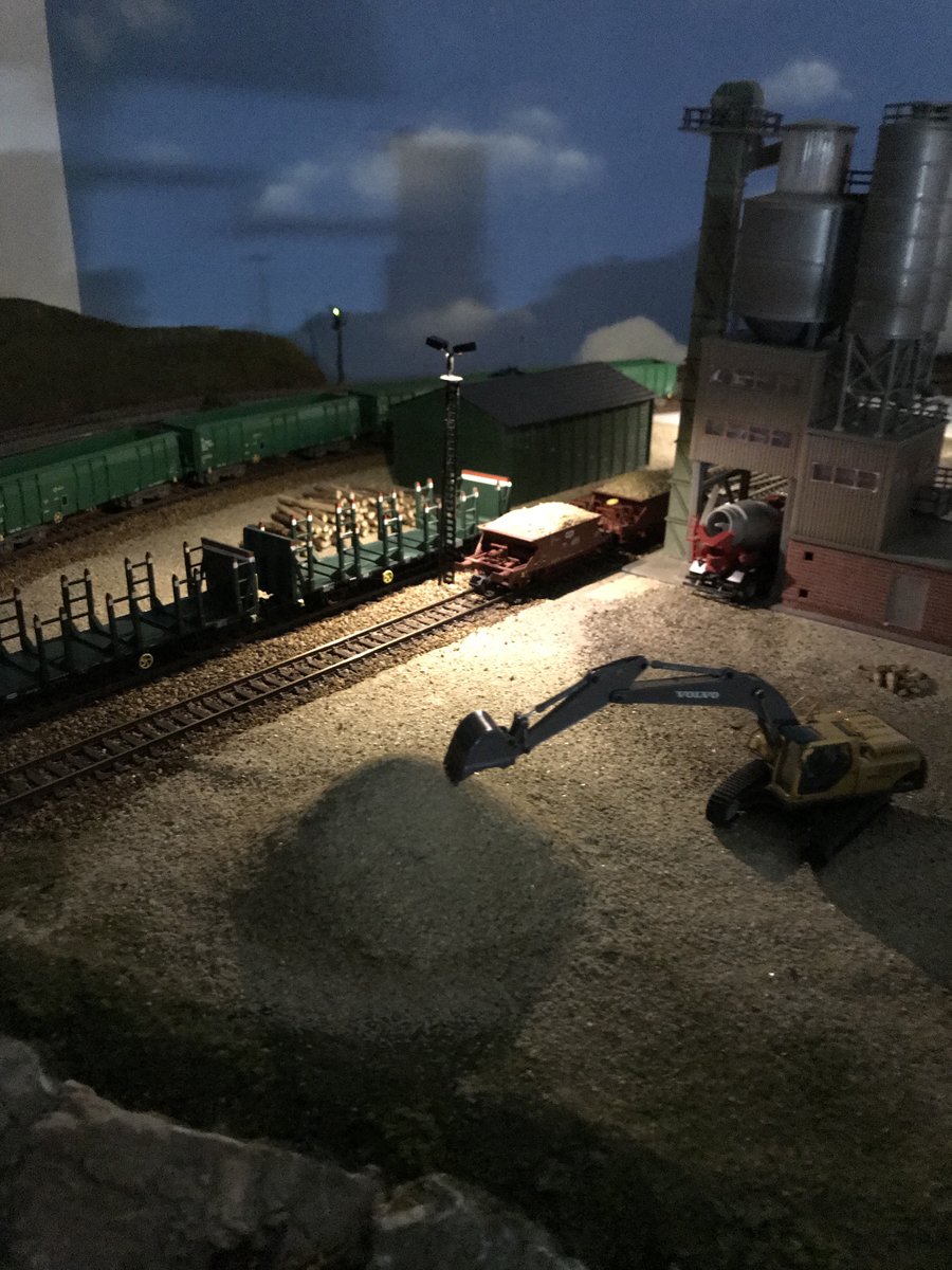 HO industrial layout night time scene