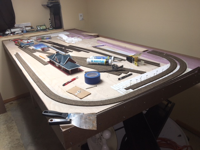 HO model railroad benchwork