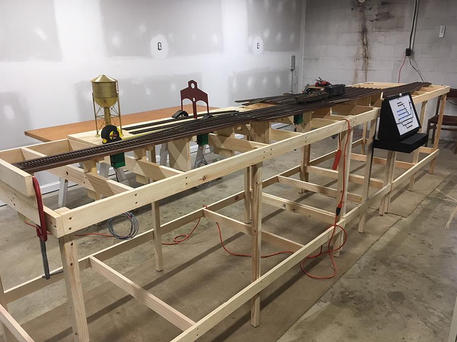 O scale 2 rail bench