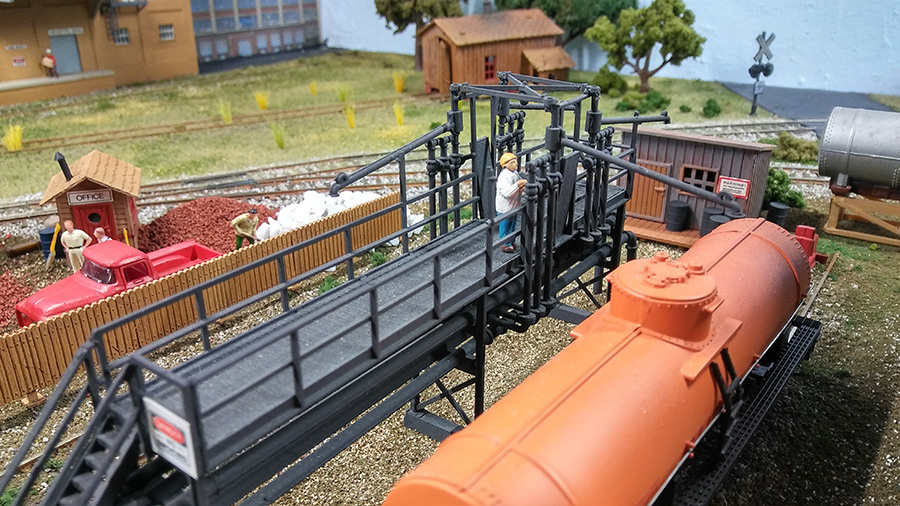 model railroad oil tanker