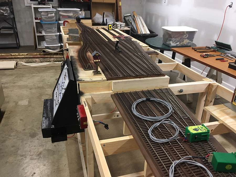 O scale bench