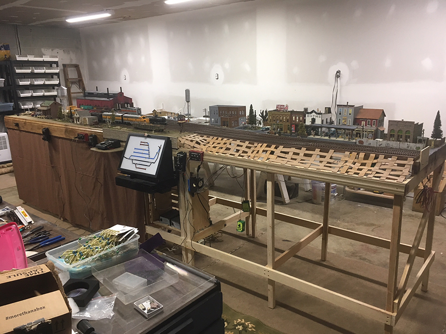 O scale layout scenery