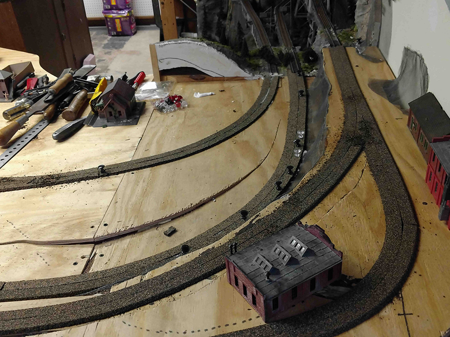 model railroad roadbed