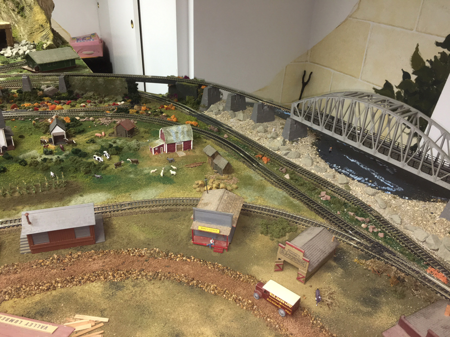 HO model railroad bridge