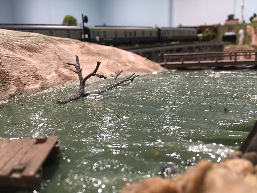 make a lake for your model railroad