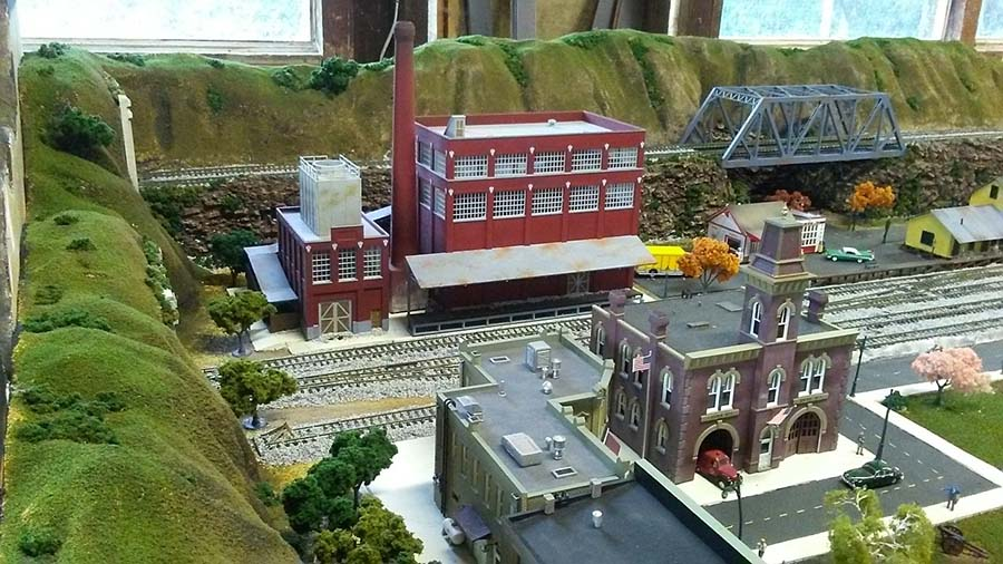 HO model train factory