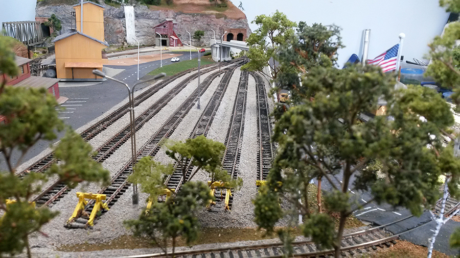 model train railroad layout