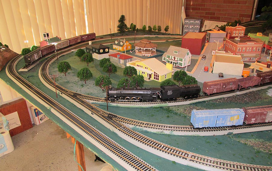 HO scale town layout