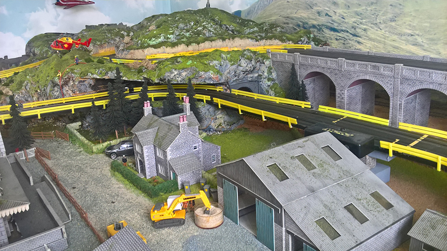 HO model railroad with race track