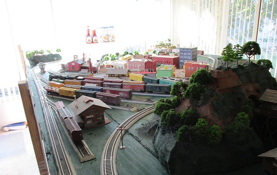 HO scale platform