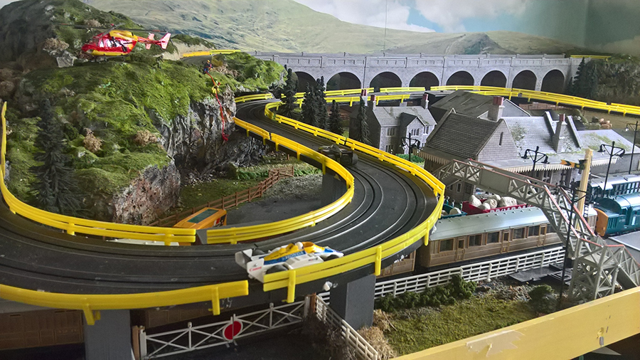 HO model railroad race track