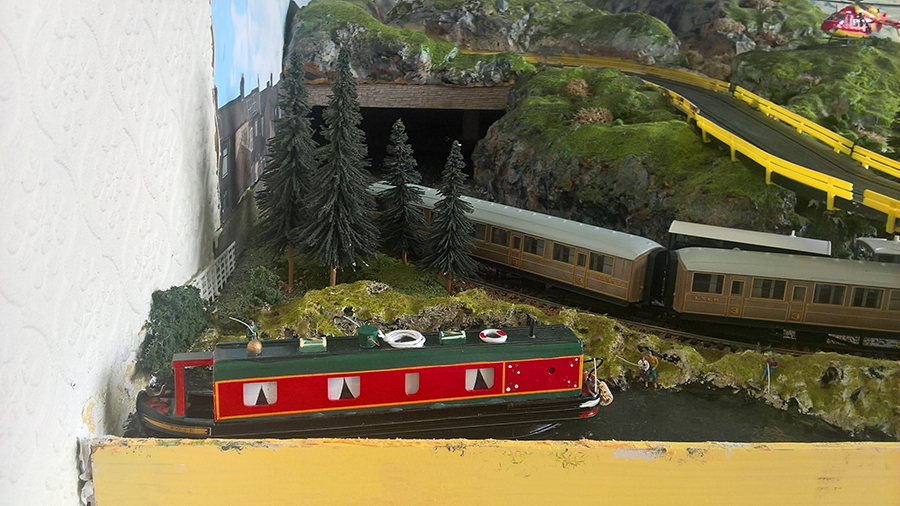 HO model train tunnel