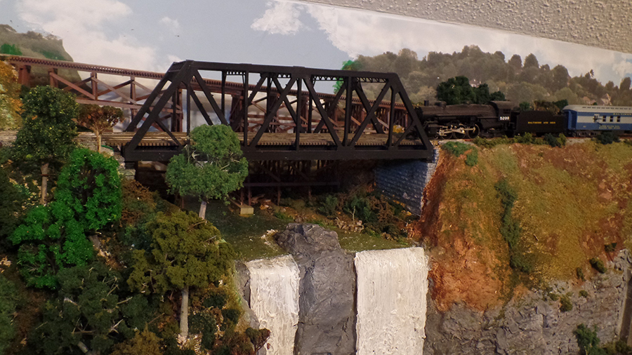 model train girder bridge