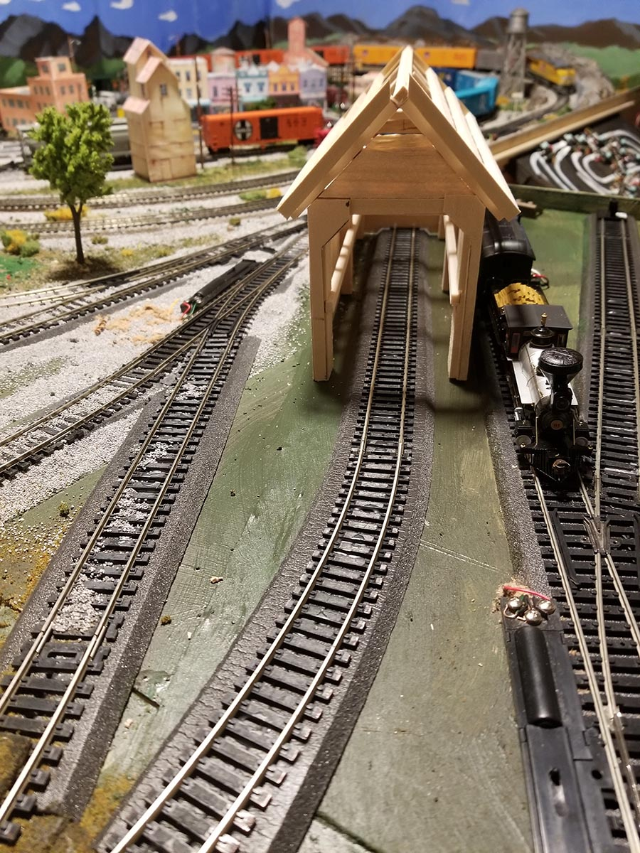 HO scale rail shed