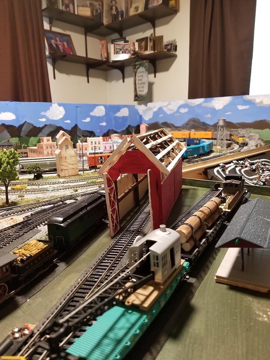HO rail shed