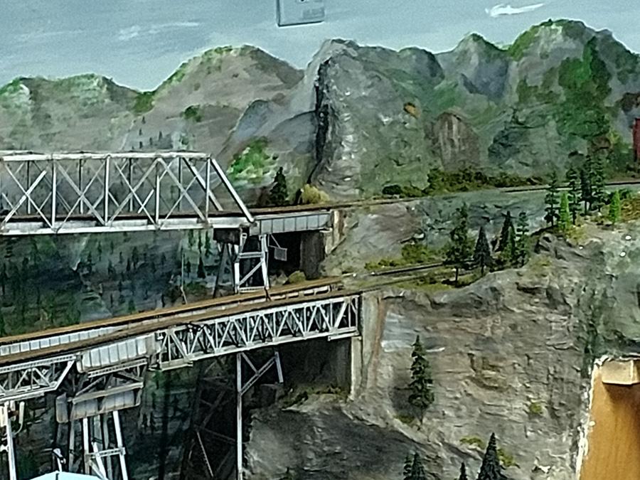 HO scale railroad bridge