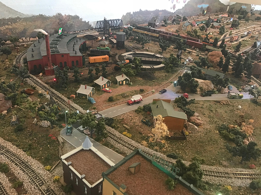 N scale roundhouse