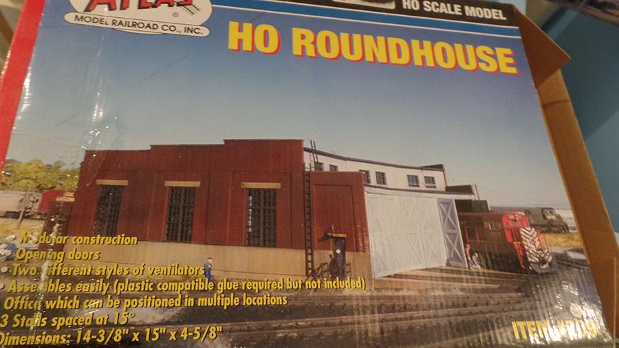 HO model railroad roundhouse