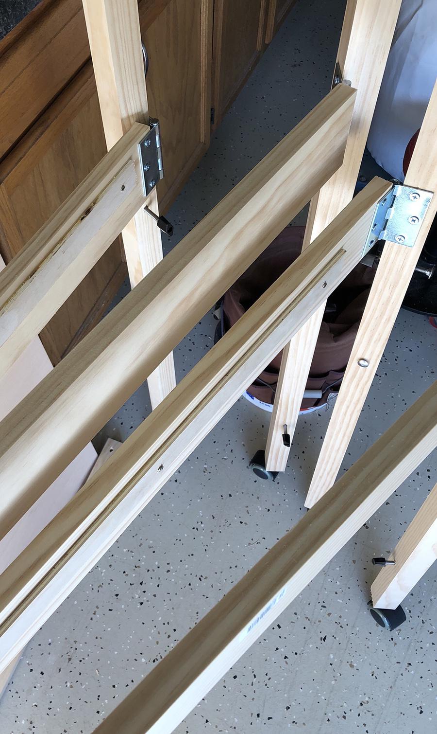 model train folding bench