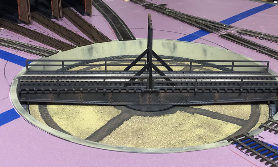 Ewart's 4x8 OO layout - in a crate - Model railroad layouts