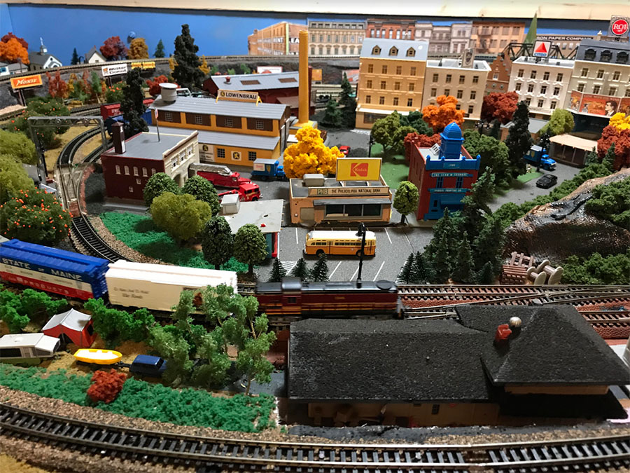 4x7 model railroad