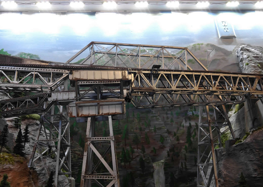 model railroad wooden bridge lighting