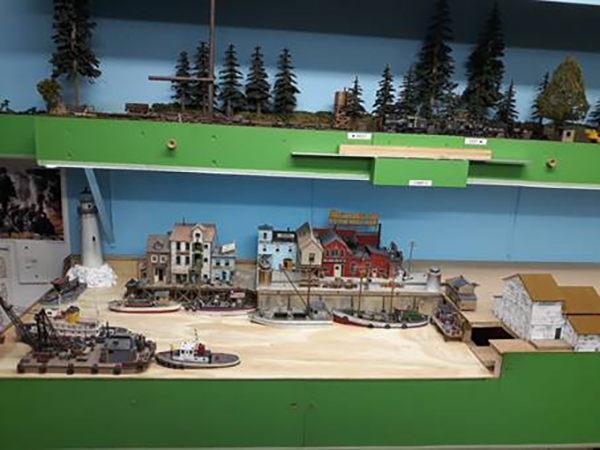 model railroad harbour