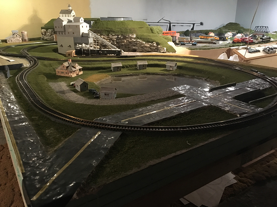 How to model realistic water - Model railroad layouts plansModel