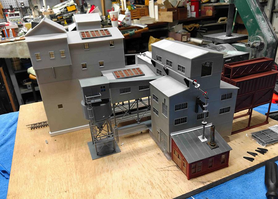 model train mine