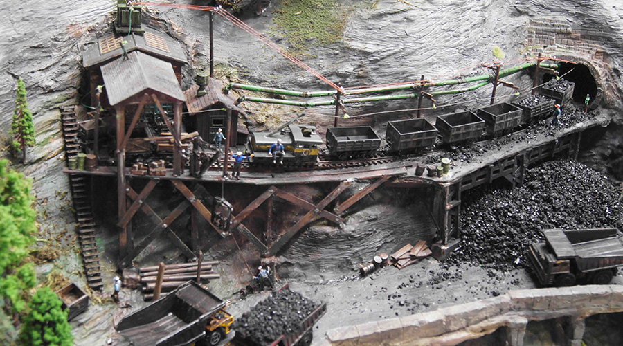 model railroad mine tunne;