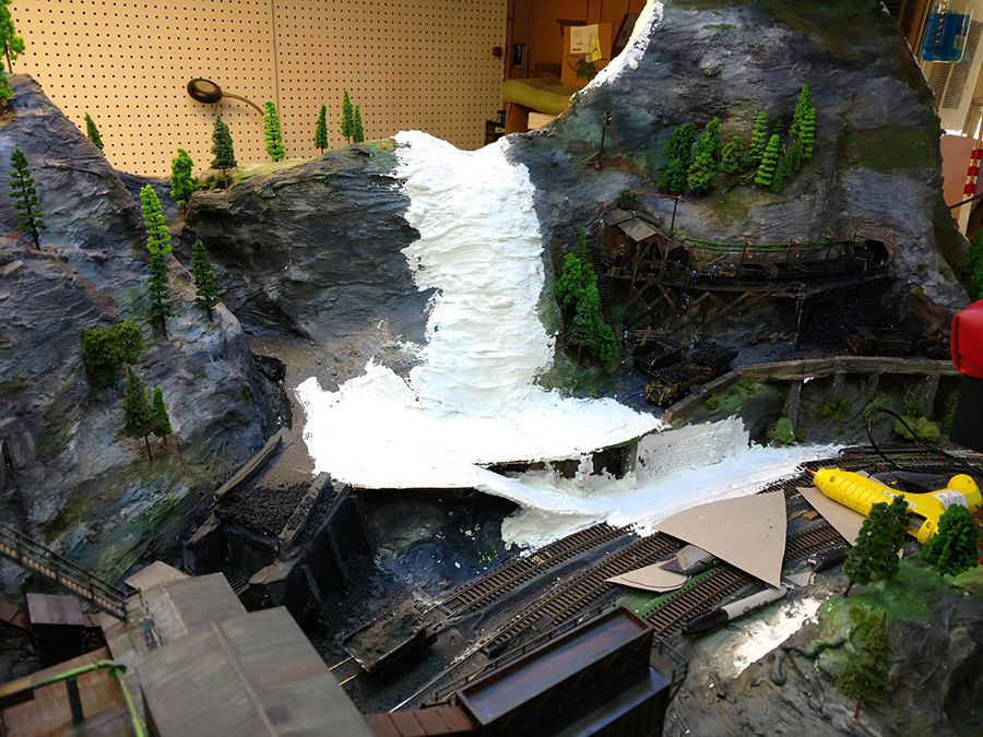 model railroad mountains