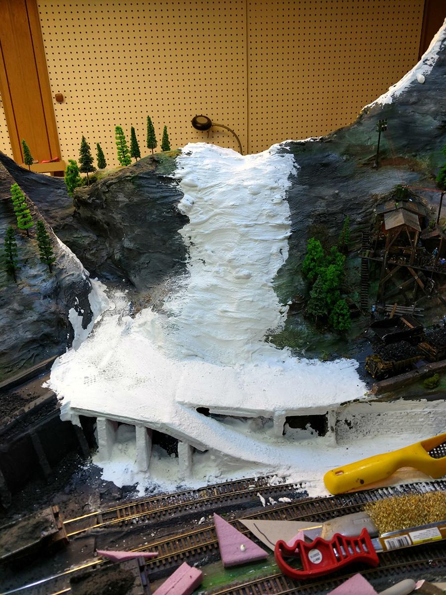 model railroad mountains