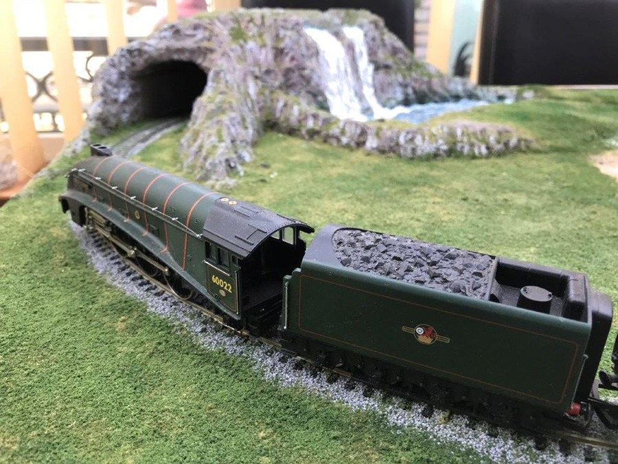 00 scale model railway