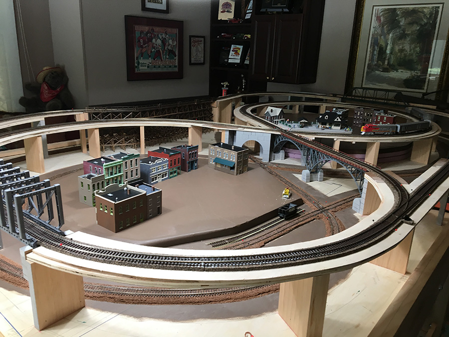 John's train layout HO scale