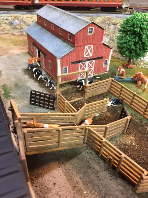 HO scale barn
