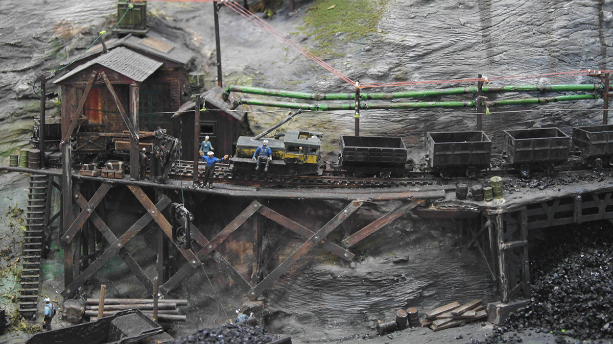 coal mine railway