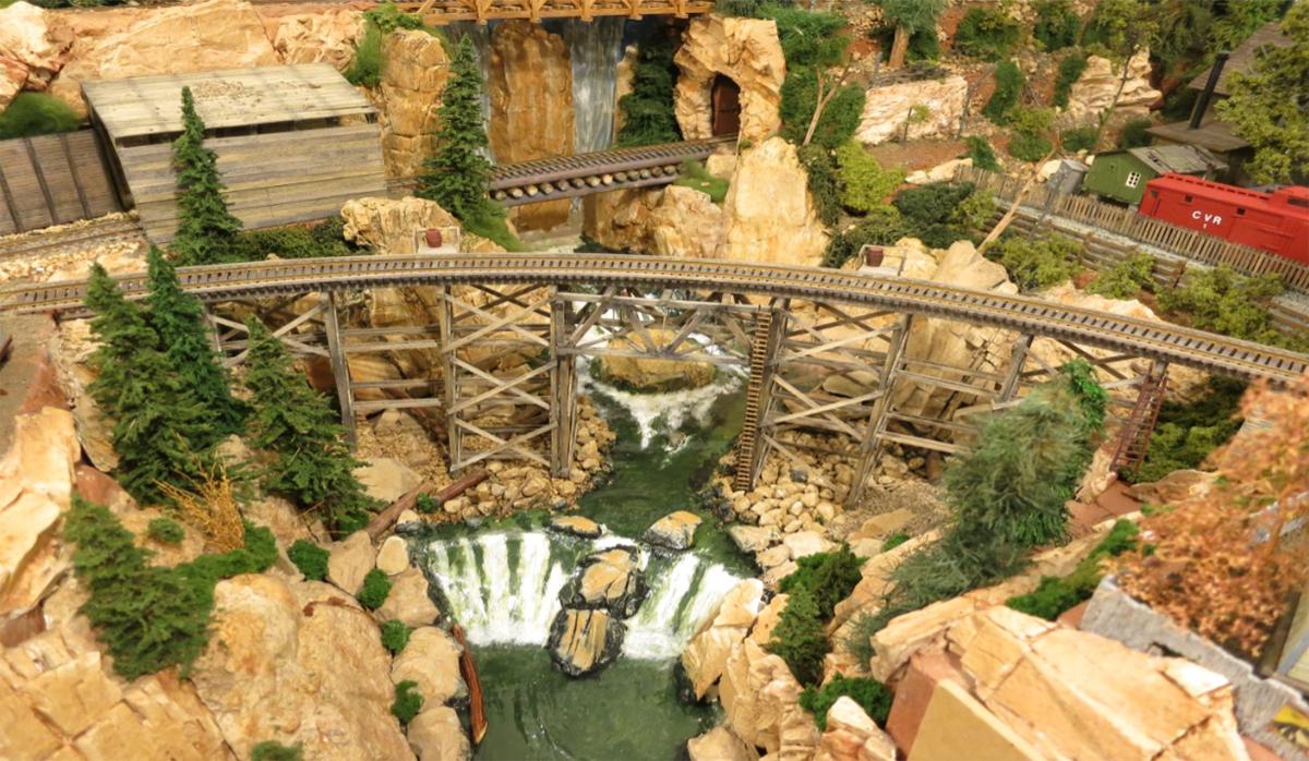 model train HO scale lumber