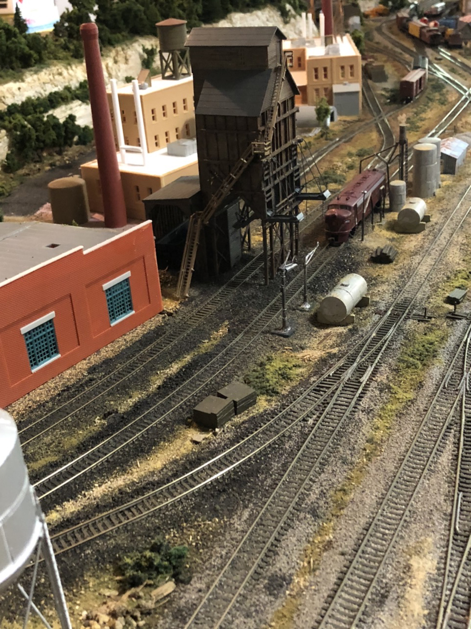 N scale coal tower
