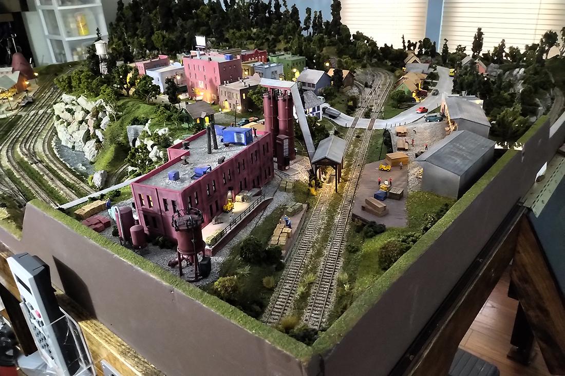 model railroad lumber yard