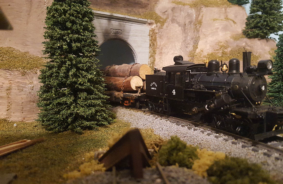 model railroad steam lumber train
